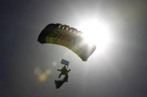 A Navy SEAL takes part in a demonstration in Florida November 11, 2011. CREDIT: REUTERS/JOE SKIPPER